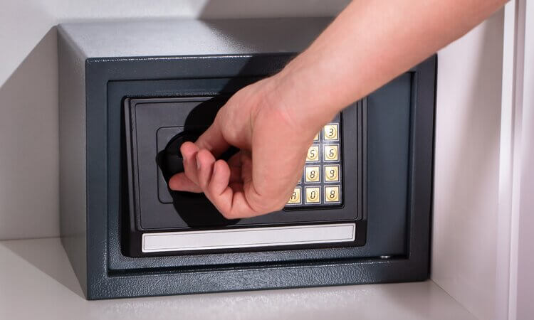 How Do Fireproof Safes Work Securing Documents?