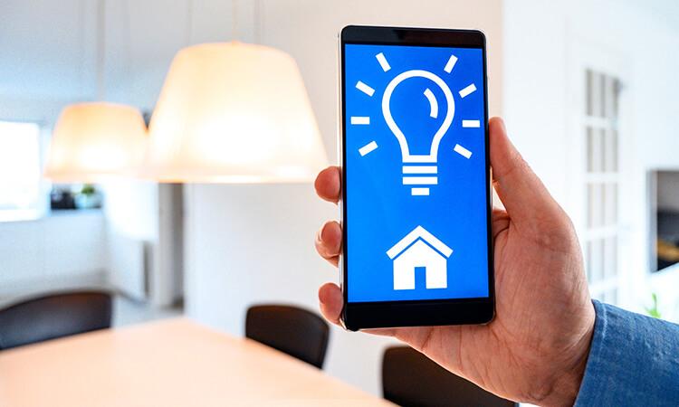 How Do Smart Light Bulbs Work_
