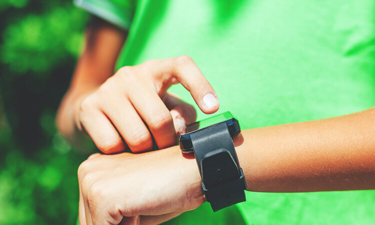 How Do Smartwatches For Kids Work