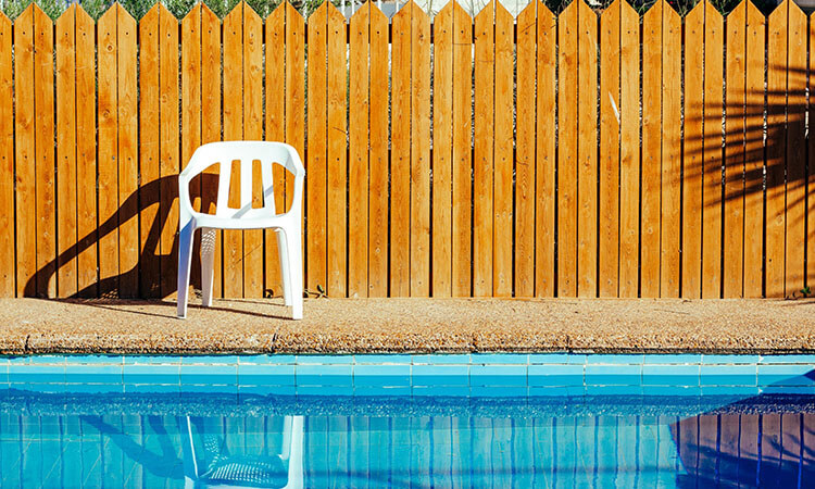 How To Build A Swimming Pool Fence