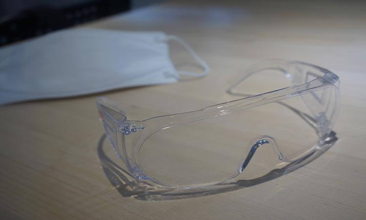 How To Clean Safety Glasses: The Do's And Don'ts