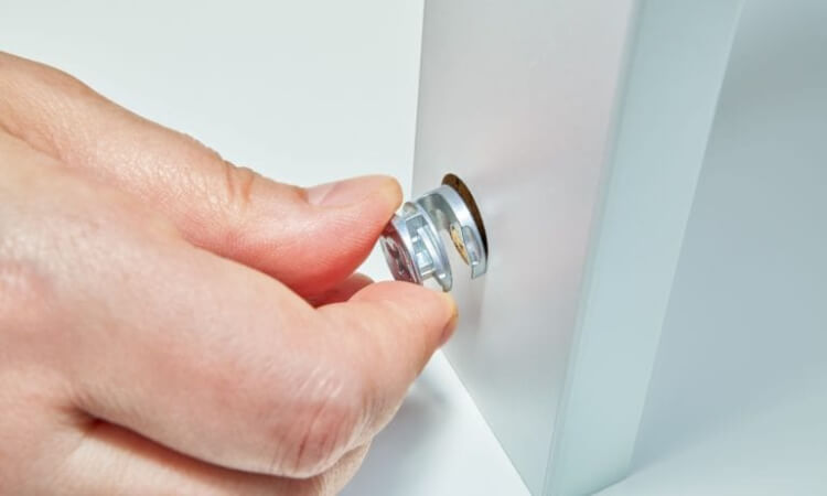 How To Install A Cam Lock On A Cabinet