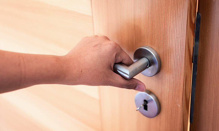 How To Open A Locked Door With A Screwdriver Easily