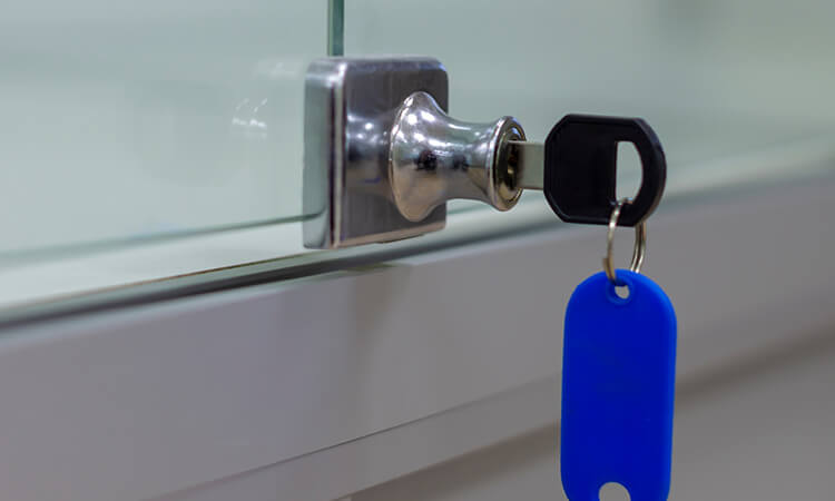 How To Pick A Liquor Cabinet Lock With Ease