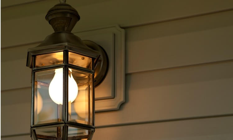 How To Replace A Bulb In Outdoor Security Lights