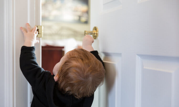 The-7-Best-Child-Safety-Locks-For-Doors
