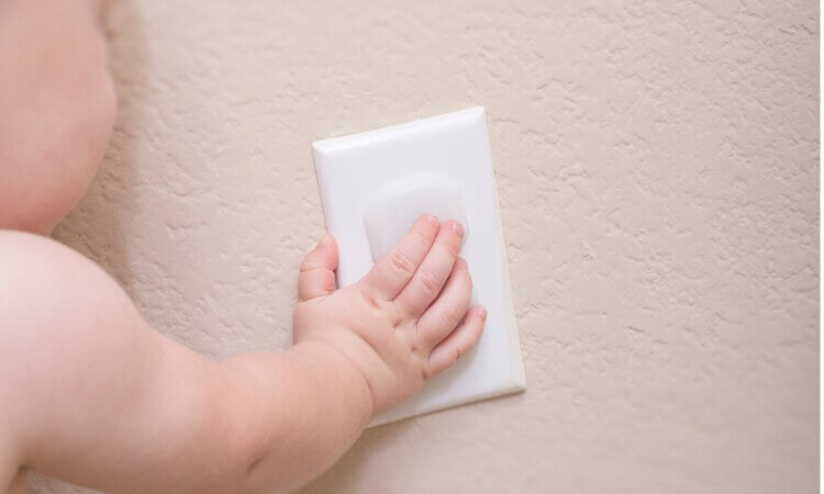 The-7-Best-Child-Safety-Outlet-Covers