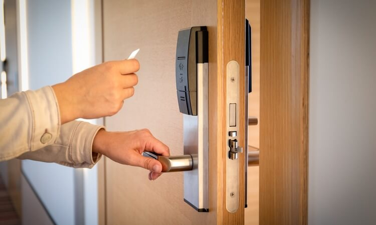 The 7 Best Smart Locks For Airbnb Owners