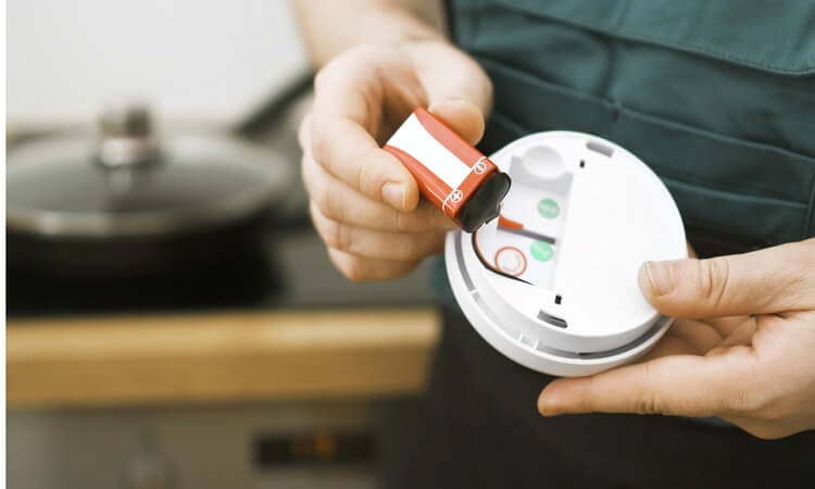 The 7 Best Smoke Detectors For Kitchen - A Buying Guide