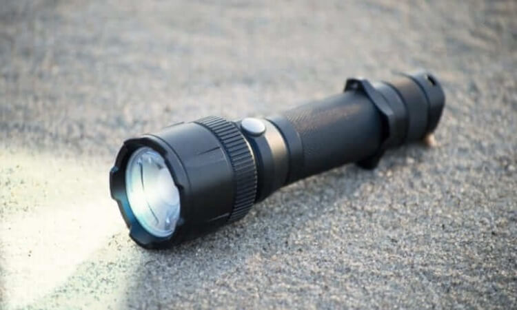 The 7 Best Tactical Flashlights Using AAA Batteries